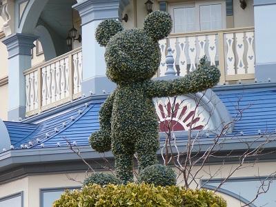 東京ディズニーランドホテル前のミッキーのトピアリー