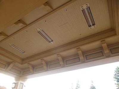 東京ディズニーランドホテルのリムジンバス乗り場天井のヒーター